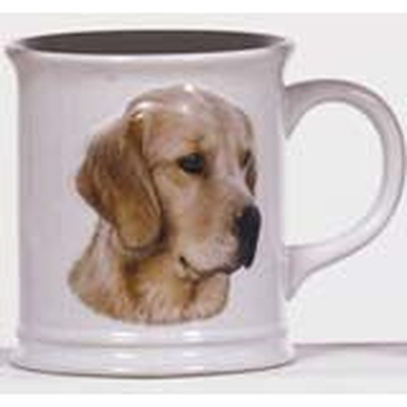Cana cu catel Golden Retriever in relief