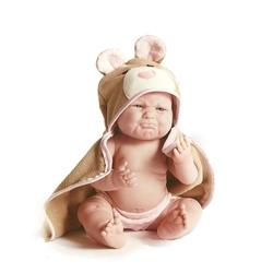 Bebelus cu prosop ursulet cu gluga