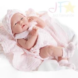 Bebelus nou nascut fetita cu paturica