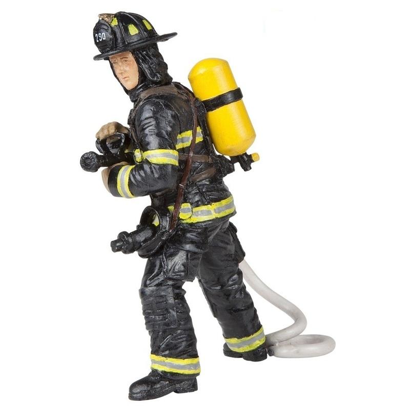 Figurina Papo-Pompier cu furtun