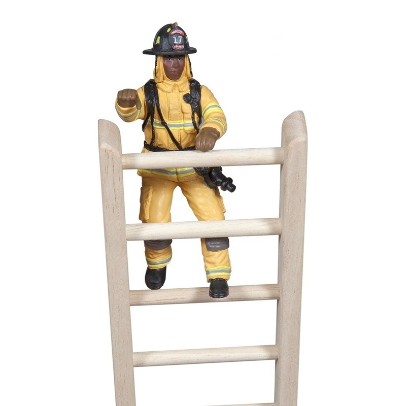 Figurina Papo-Pompier galben cu furtun