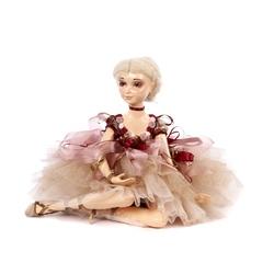 Castelana cu rochie textila roz 58 cm