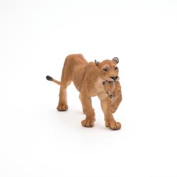 Leoaica cu pui - Figurina Papo pentru copii