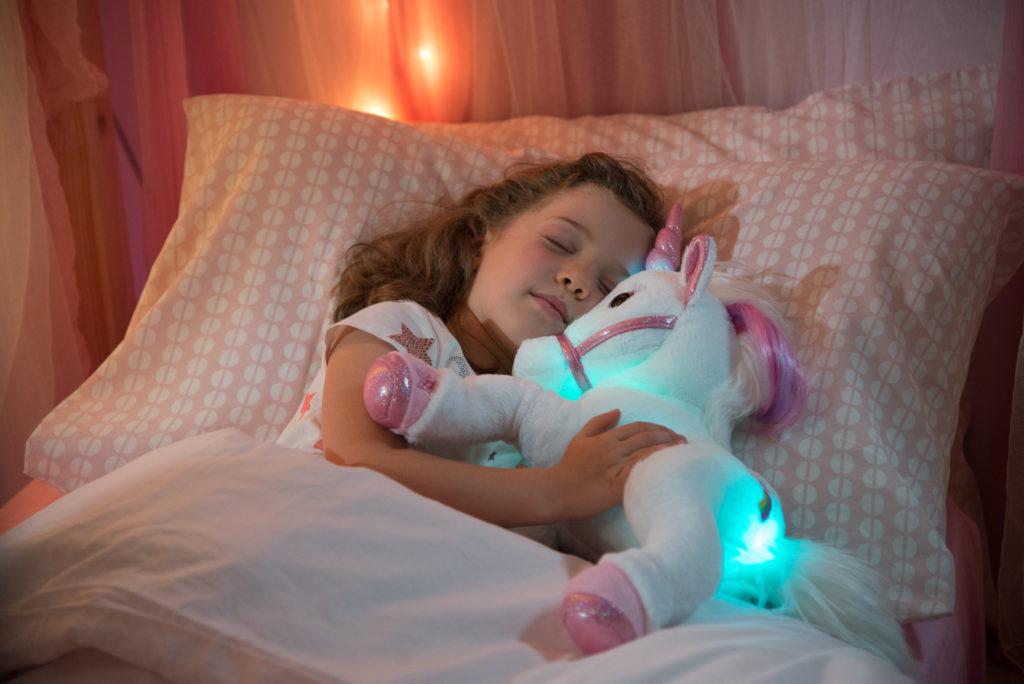jucarii de plus pentru fetite, unicorn alb cu sunet si lumini